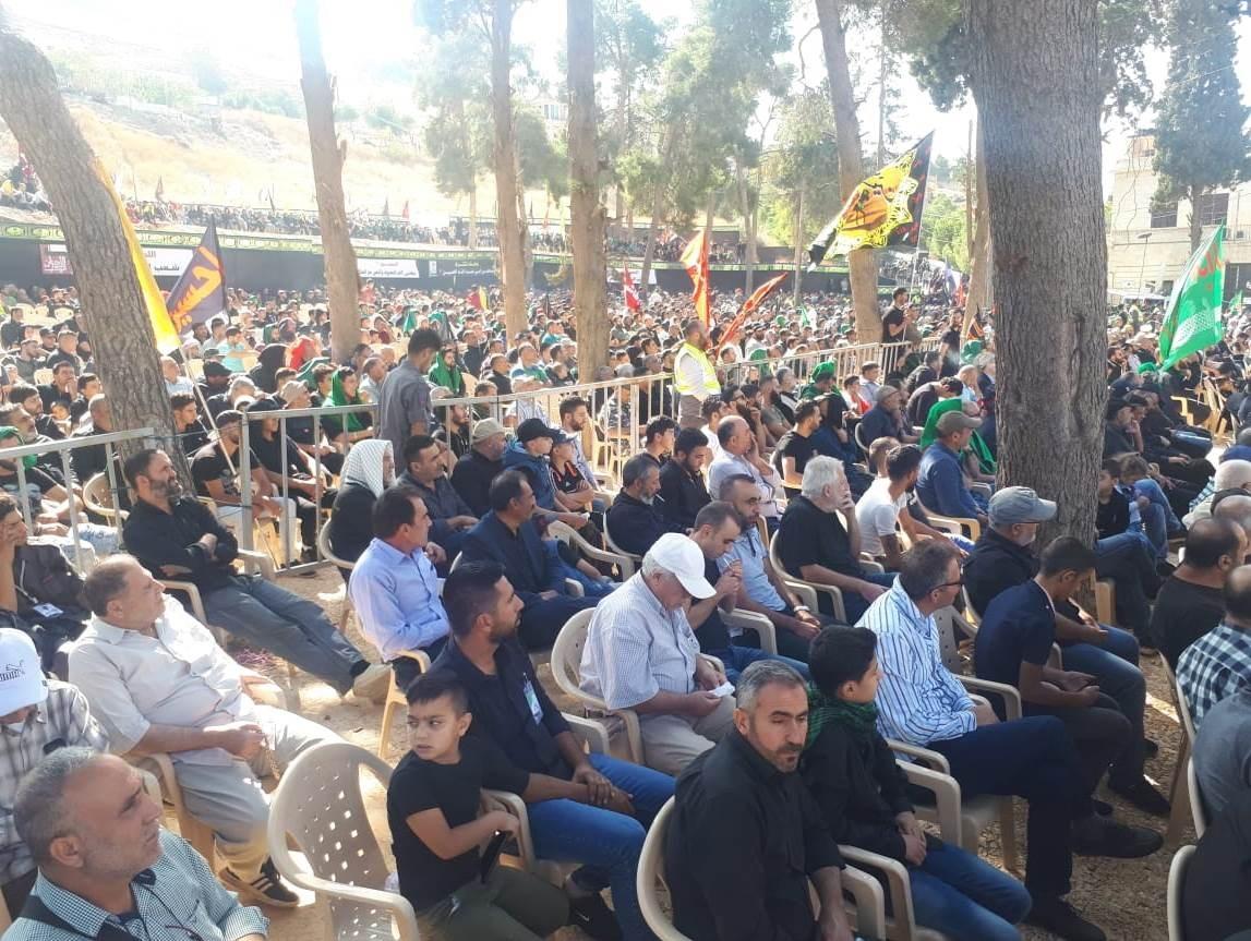محبو الامام الحسين (ع) يحييون ذكرى اربعينه في مسير حسيني الى مقام السيدة خولة في بعلبك (تقرير)